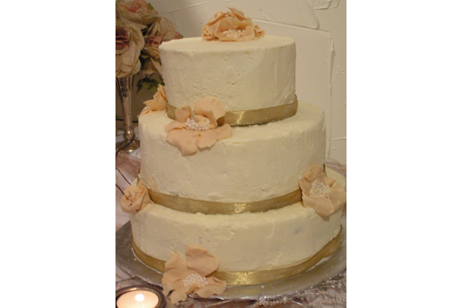 carleton house sample wedding cake